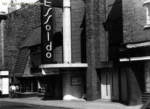 Essoldo Cinema Stretford, previously the Longford Cinema side entrance 1967